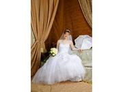 Шикарное свадебное платье,  бижутерия,  балеро