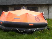 Плот спасательный с круизного лайнера на 20 человек