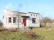 Жилой дом. 2001 г.п. Брестский р-н. Кирпич / железо,  шифер. r170765